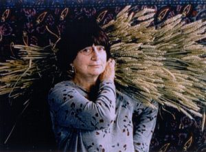 THE GLEANERS AND I, (aka LES GLANEURS ET LA GLANEUSE), director Agnes Varda, 2000. ©Zeitgeist Films